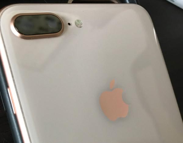 iPhone8 Plusの背面ガラス